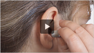 How to remove a RIC hearing aid